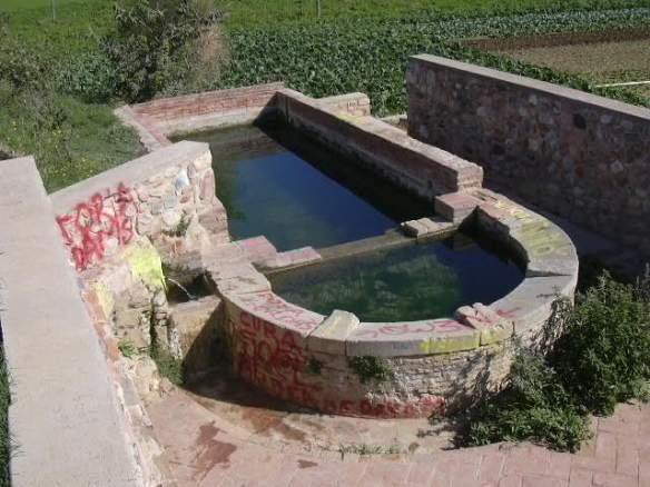 Can Malla, Font i Bassa de Parets