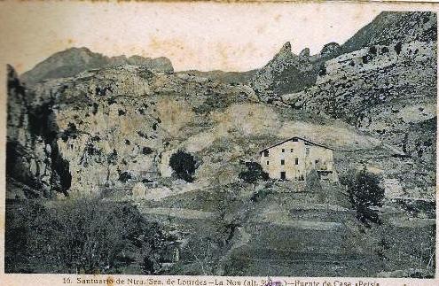 Ermita i masia de principis del segles XX, abans de la construcció del Santuari