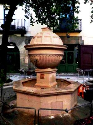 Copia de la font al Poble Espanyol de Barcelona
