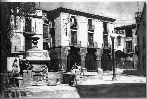 Olesa de Montserrat -Plaça+de+les+fonts+3[1]_01