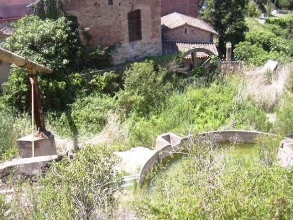 Conducció d'aigua a la fabrica i Antic Moli