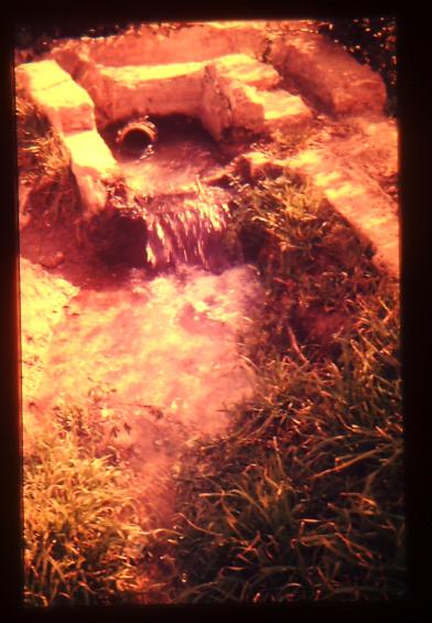 Aigua portada a les hortes properes. Any 1986