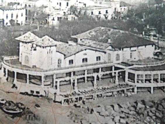 L antic balneari dels banys colom de caldes d estrac for Balneari caldes d estrac