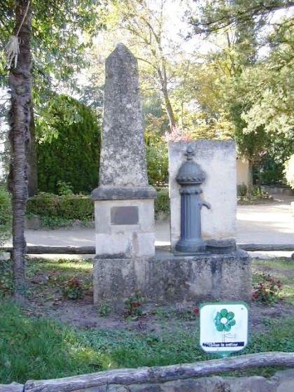 Monument a la Font