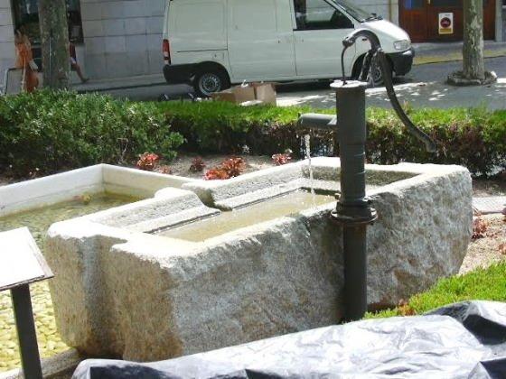 Argentona - Monuments a la Font - Pou_01