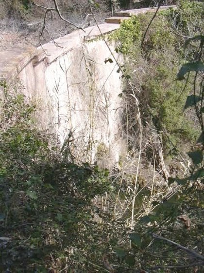 Mur per la part caient de l'aigua _01