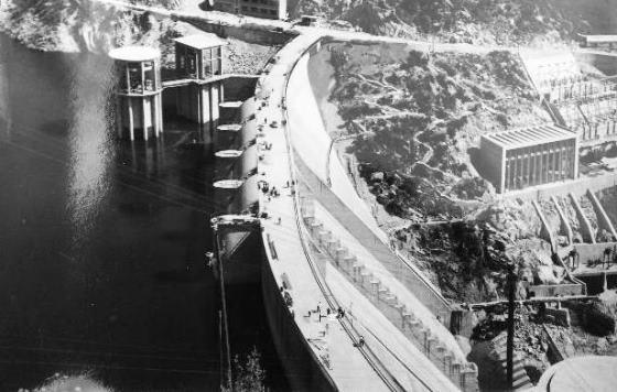 Pantà de Sau. fa mes de 50 anys , quan es va finalitzar la seva construcció