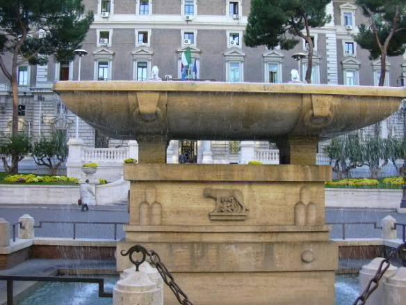 La Lloba Capitolina dóna el pit a Ròmul i Rem.